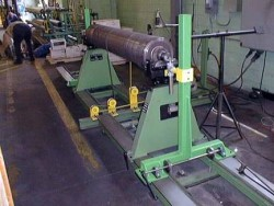 Shop roll balancing machine
